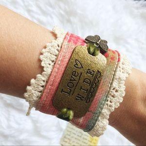 Brass-Tone Cream Lace Love Wide Snap Cuff Bracelet